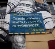 Aprender a decir no... (Carrer Urgell, Barcelona, febrer 2012)