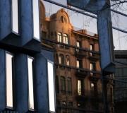 Mundos paralelos (III) (Av. Diagonal, Barcelona, abril 2012)